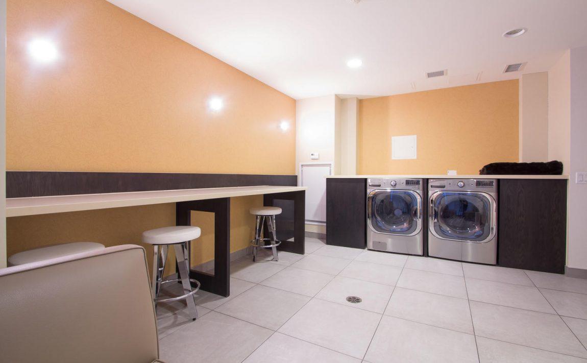 5-hanna-ave-toronto-lofts-for-sale-liberty-market-lofts-amenities-laundry