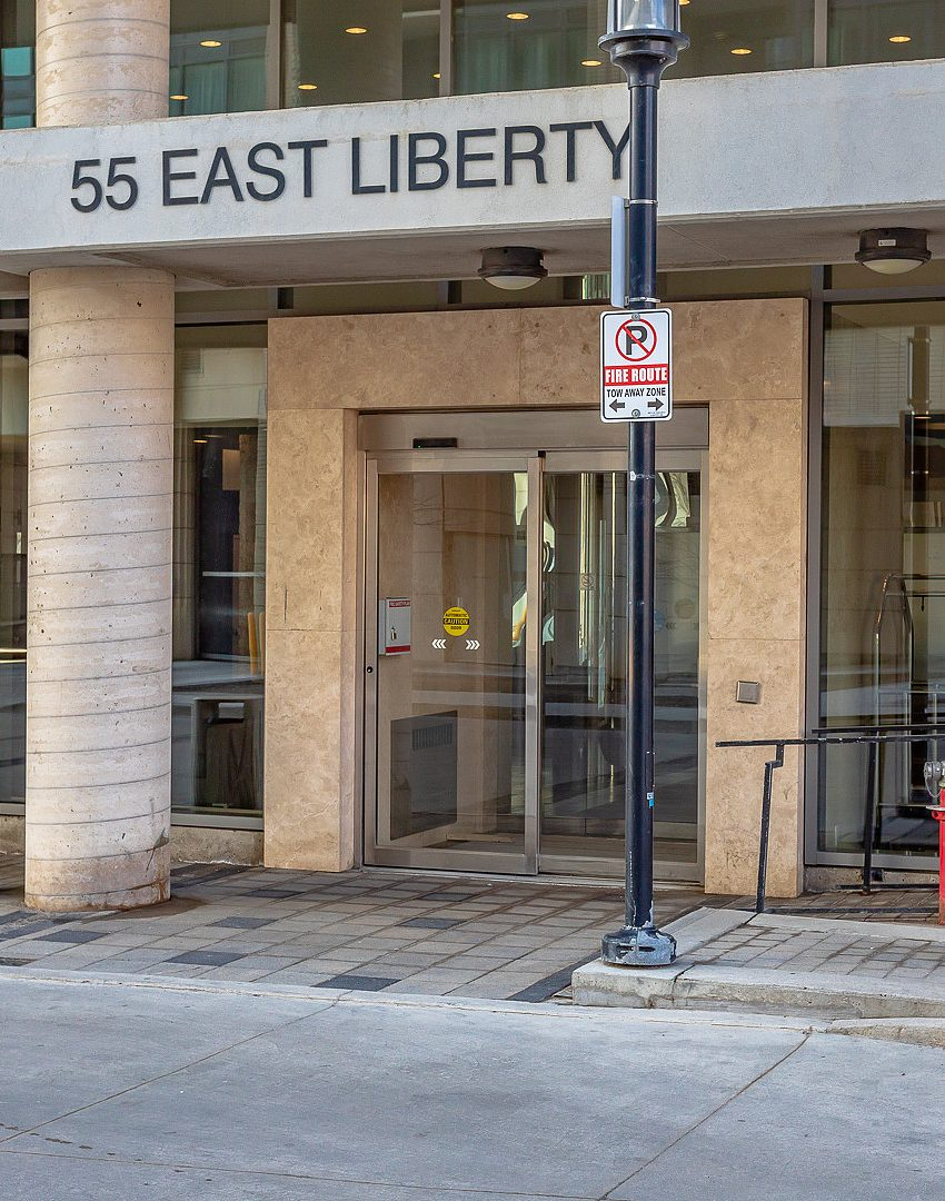 55-east-liberty-st-bliss-condos-for-sale-liberty-village-front-entrance