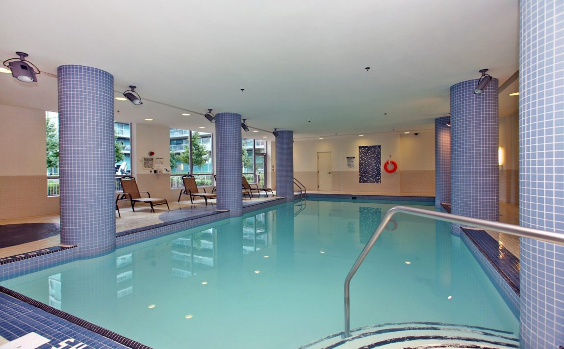 Vibe at Liberty Village-100 Western Battery Rd-Indoor Pool 1