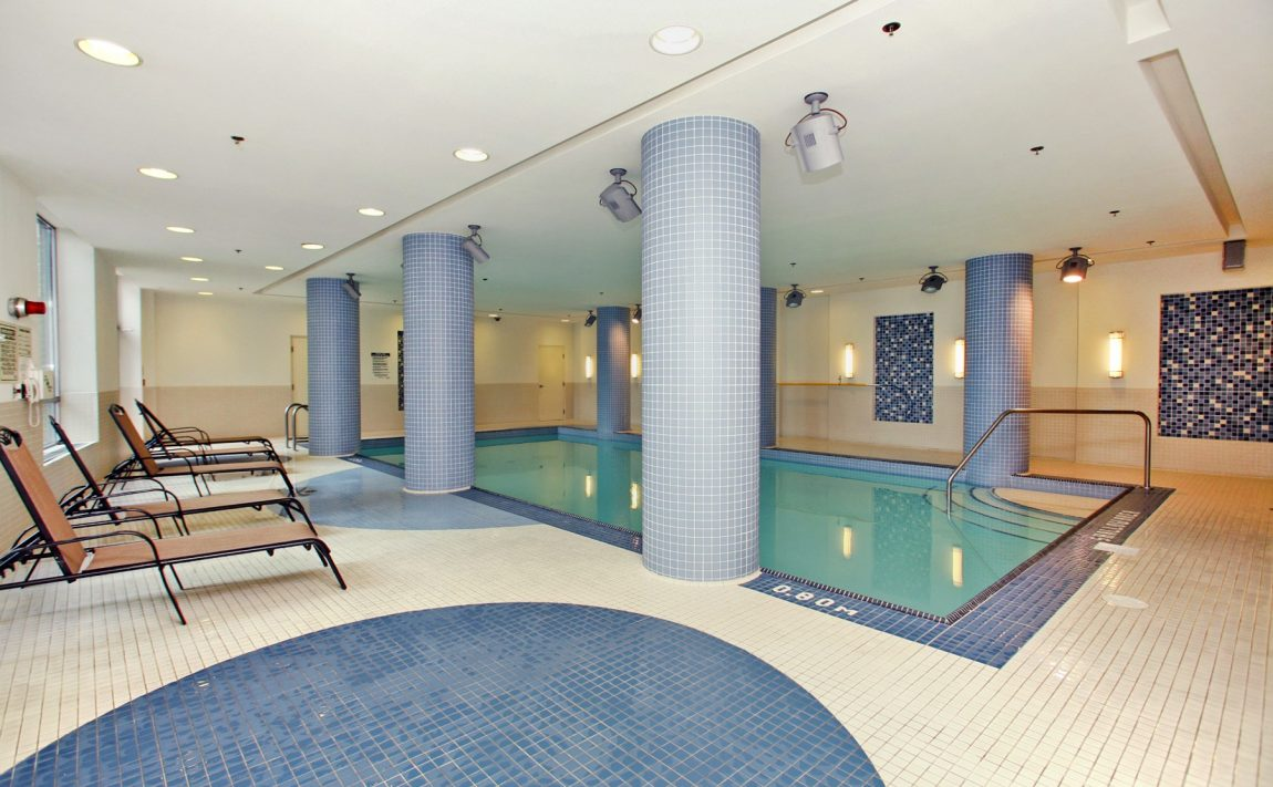 Vibe at Liberty Village-100 Western Battery Rd-Indoor Pool