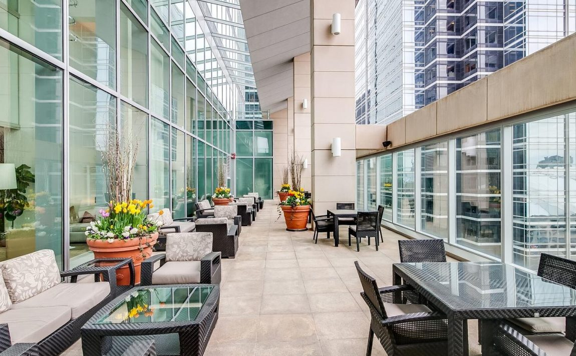 183-wellington-st-w-ritz-carlton-condos-for-sale-toronto-outdoor-terrace
