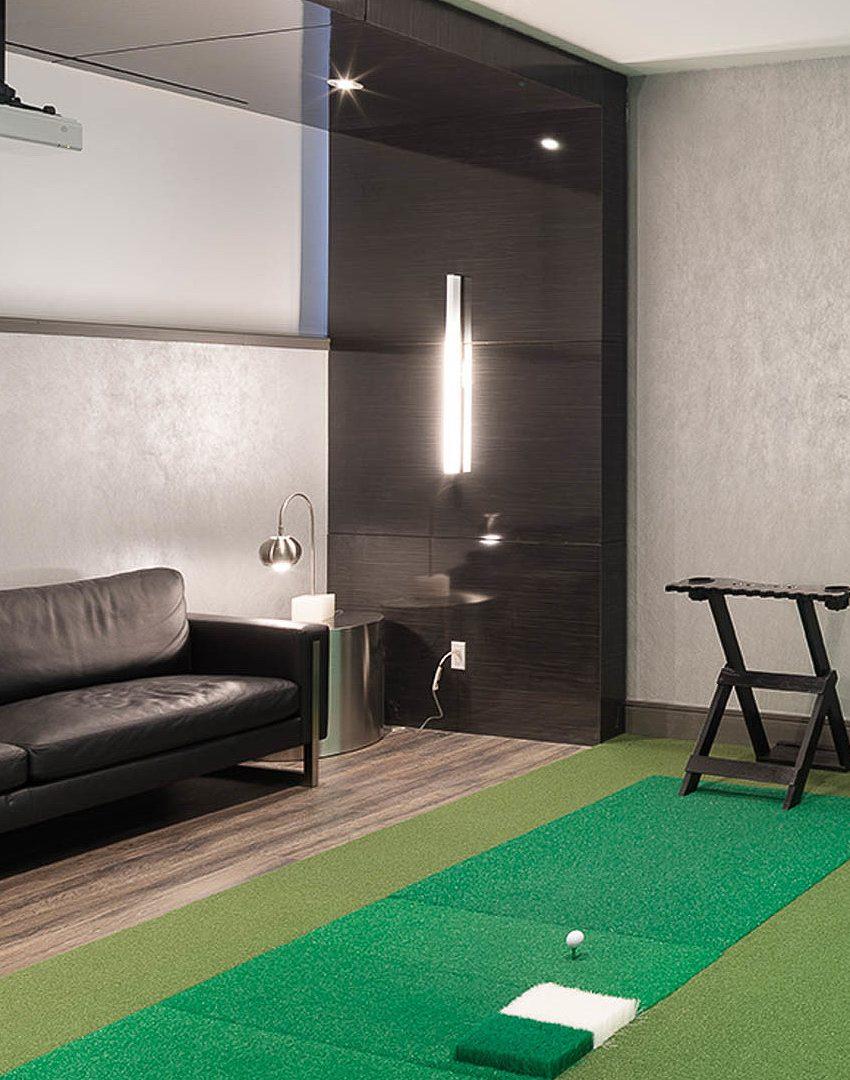 290-adelaide-st-w-toronto-bond-condos-for-sale-amenities-putting-green