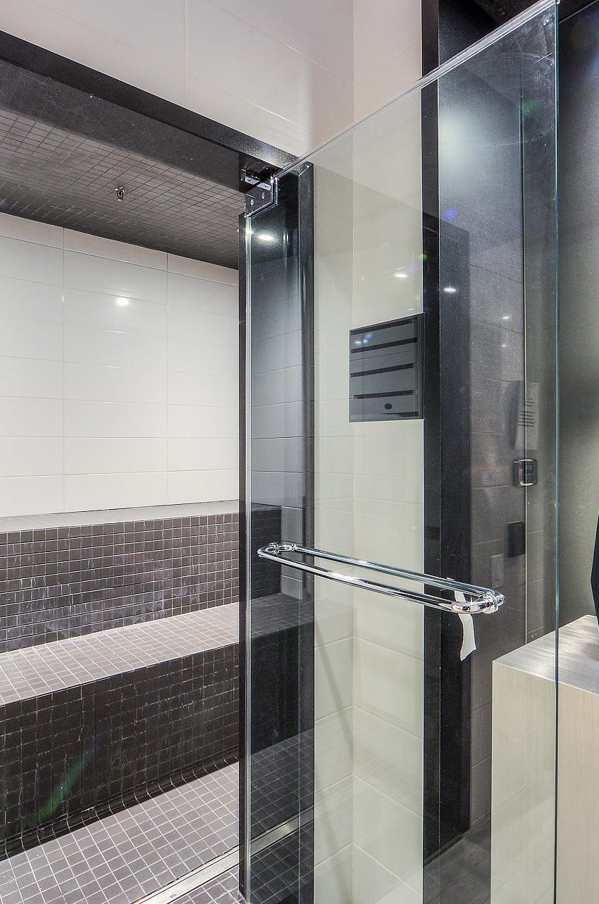 290-adelaide-st-w-toronto-bond-condos-for-sale-amenities-steam-room
