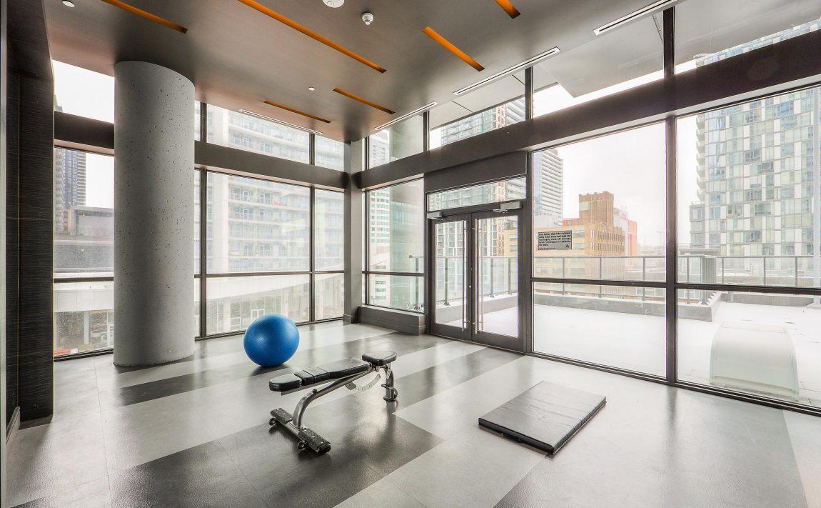 290-adelaide-st-w-toronto-bond-condos-for-sale-amenities-yoga-meditation-cardio