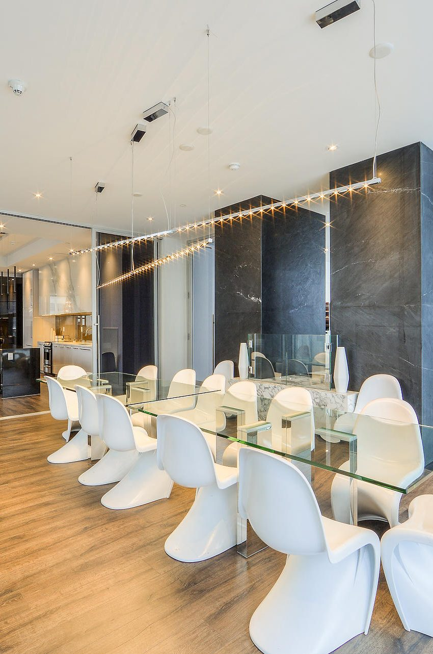 290-adelaide-st-w-toronto-bond-condos-for-sale-party-room-kitchen-2