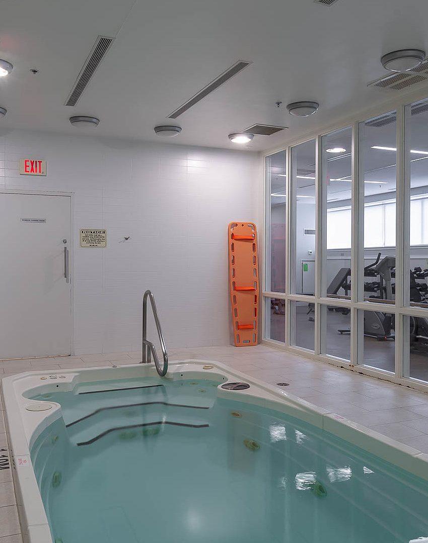 Boutique Ⅱ-126 Simcoe St-Hot Tub