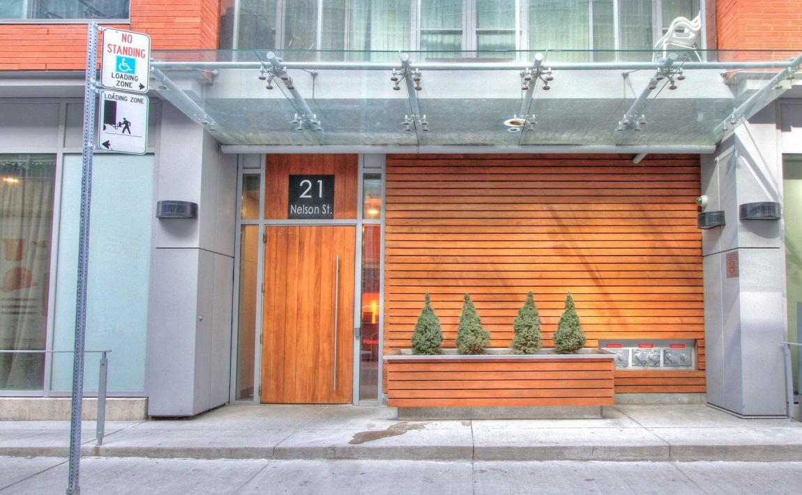 Boutique Condos-21 Nelson St-Exterior2