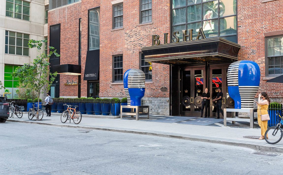 bisha-condos-88-blue-jays-way-toronto-for-sale-front-entrance-2