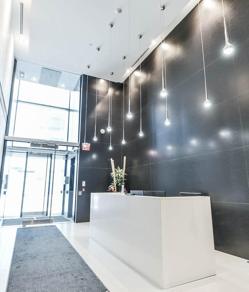 king-charlotte-condos-11-charlotte-st-toronto-lobby-concierge