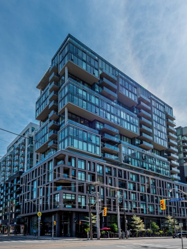 111-bathurst-st-toronto-condos-king-west