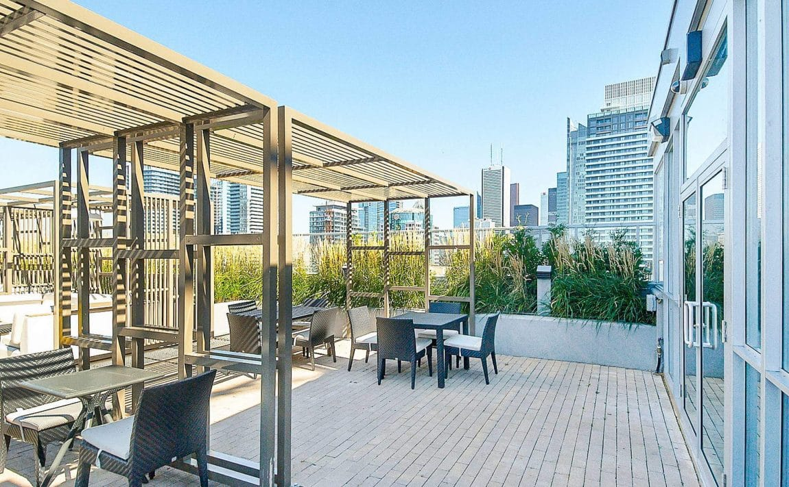 352-front-st-w-fly-condos-king-west-toronto-amenities-rooftop-terrace