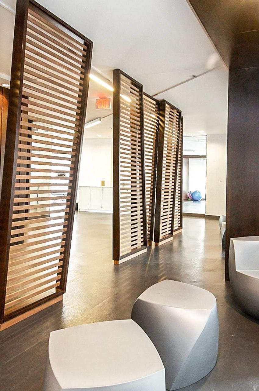 352-front-st-w-fly-condos-king-west-toronto-amenities-sitting-area-lounge