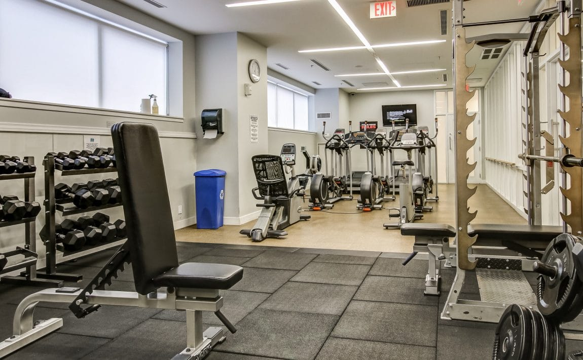 boutique-condos-21-nelson-st-toronto-king-west-amenities-gym-fitness