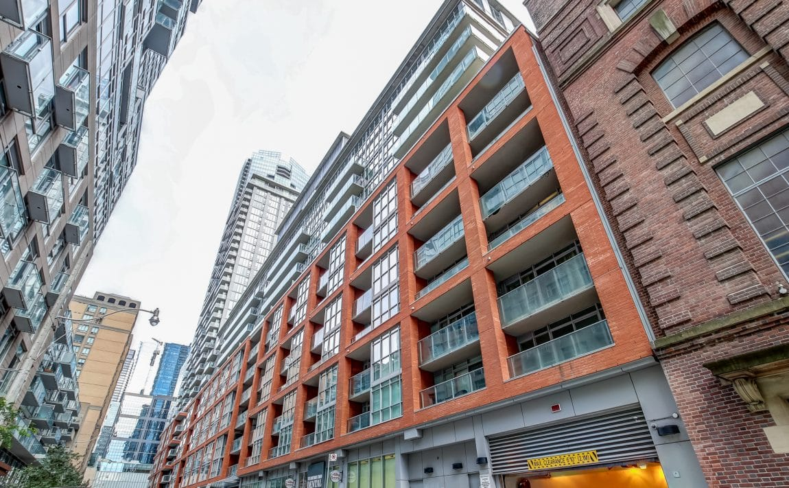 boutique-condos-21-nelson-st-toronto-king-west-for-sale
