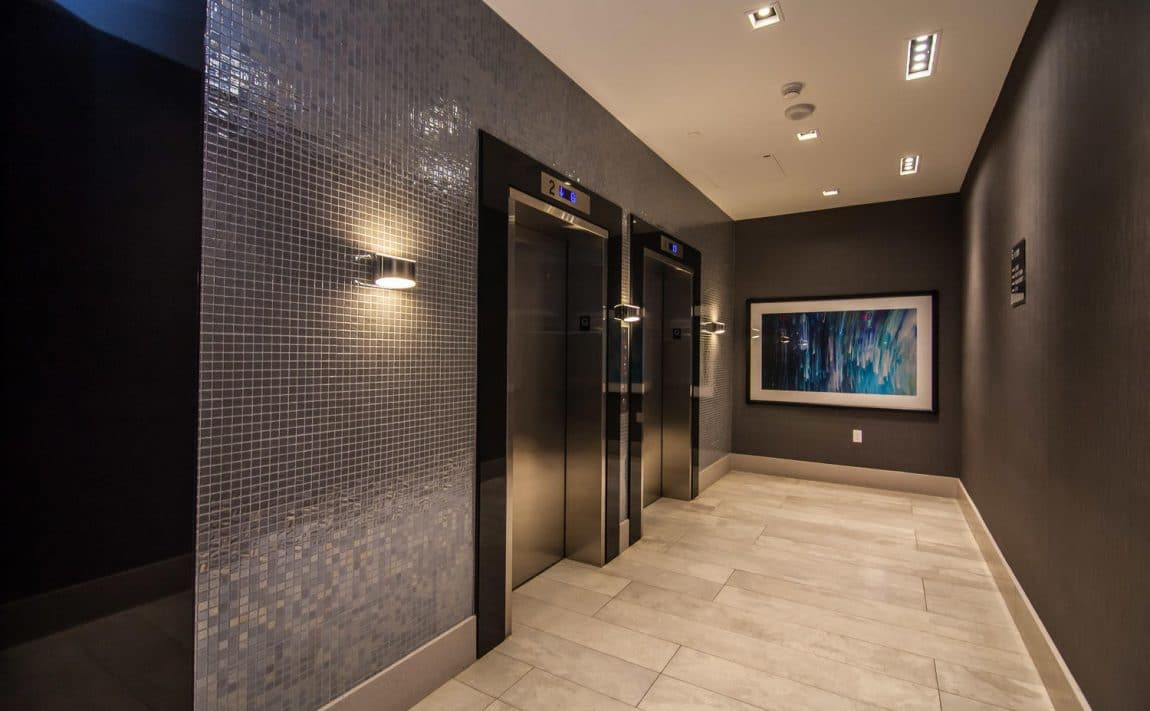 musee-condos-525-adelaide-st-w-toronto-king-west-elevator-lobby