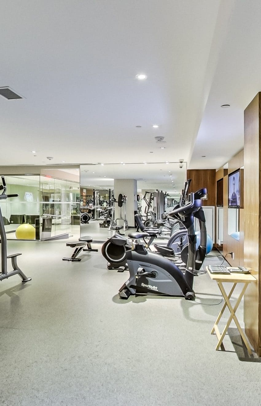 the-mercer-condos-8-mercer-st-toronto-king-west-amenities-gym-fitness