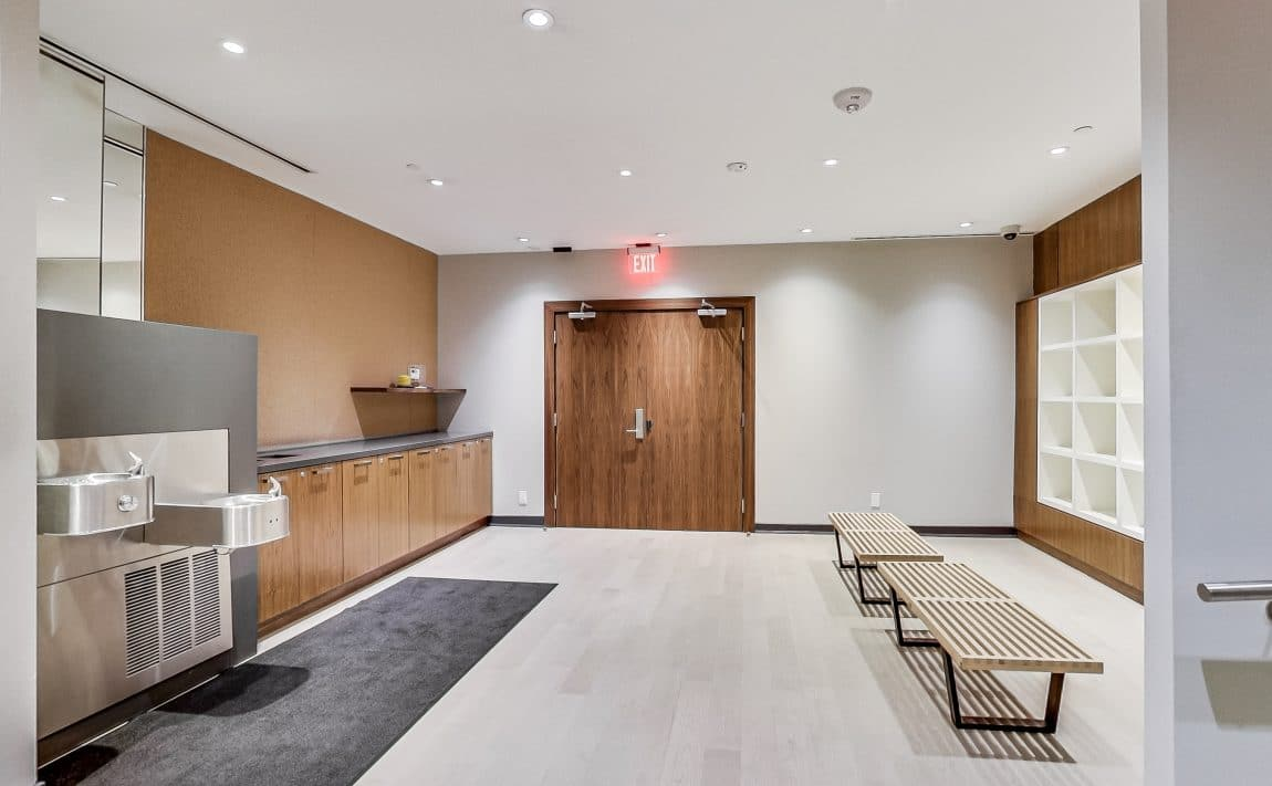 the-mercer-condos-8-mercer-st-toronto-king-west-amenities-party-room