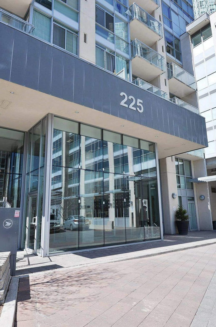 225-webb-dr-condos-for-sale-solstice-square-one-entrance