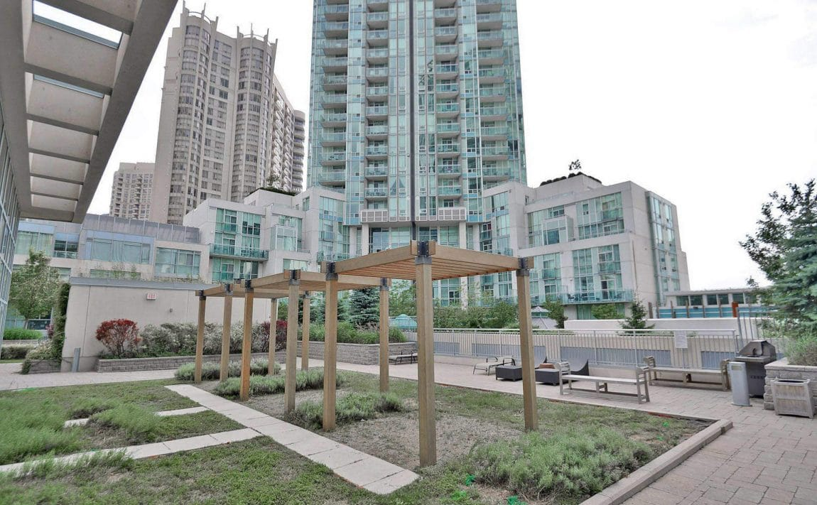 225-webb-dr-condos-for-sale-solstice-square-one-outdoor-terrace