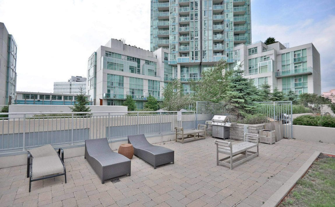 225-webb-dr-condos-for-sale-solstice-square-one-outdoor-terrace-bbq