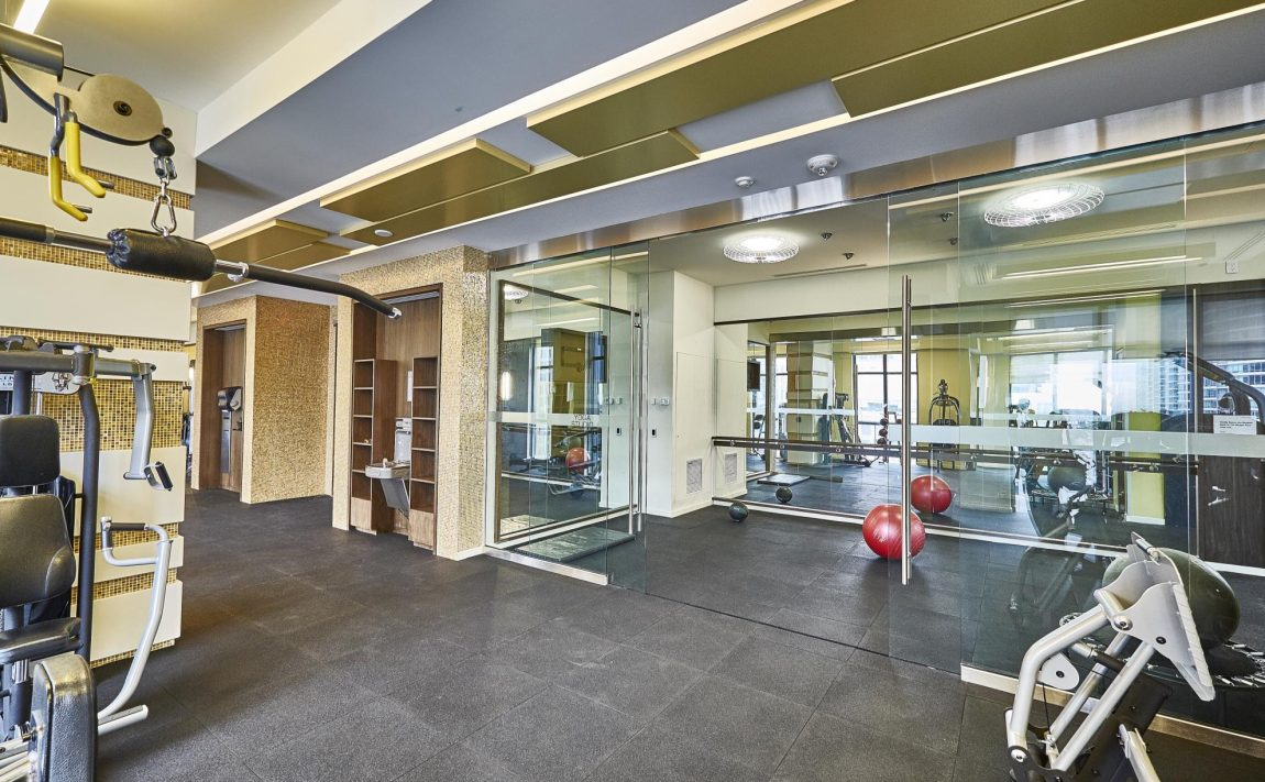 300-front-st-w-toronto-condos-for-sale-tridel-king-west-amenities-gym-cardio