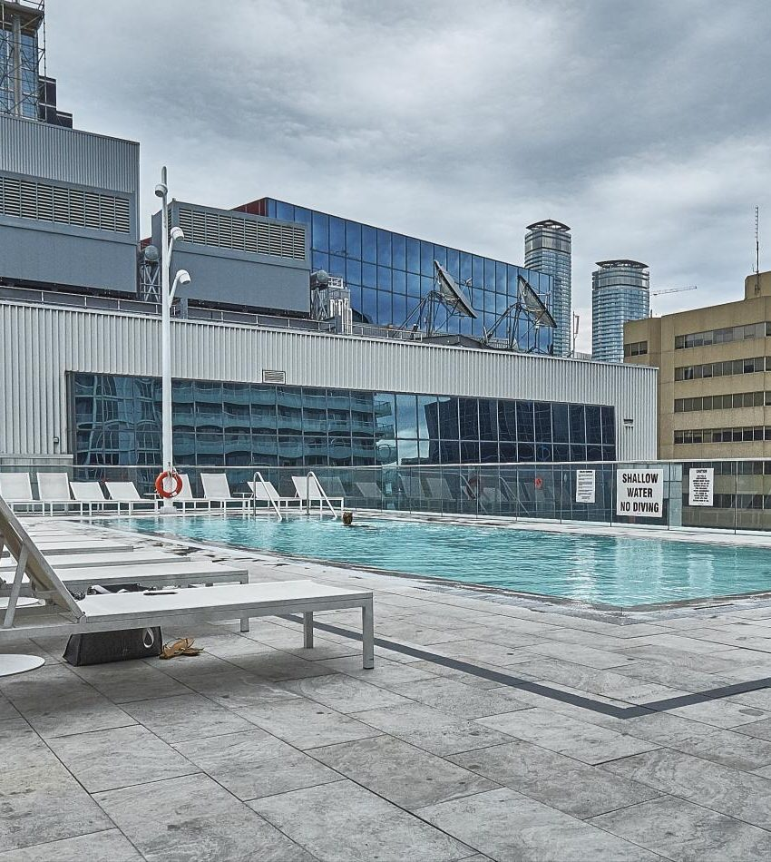 300-front-st-w-toronto-condos-for-sale-tridel-king-west-outdoor-terrace
