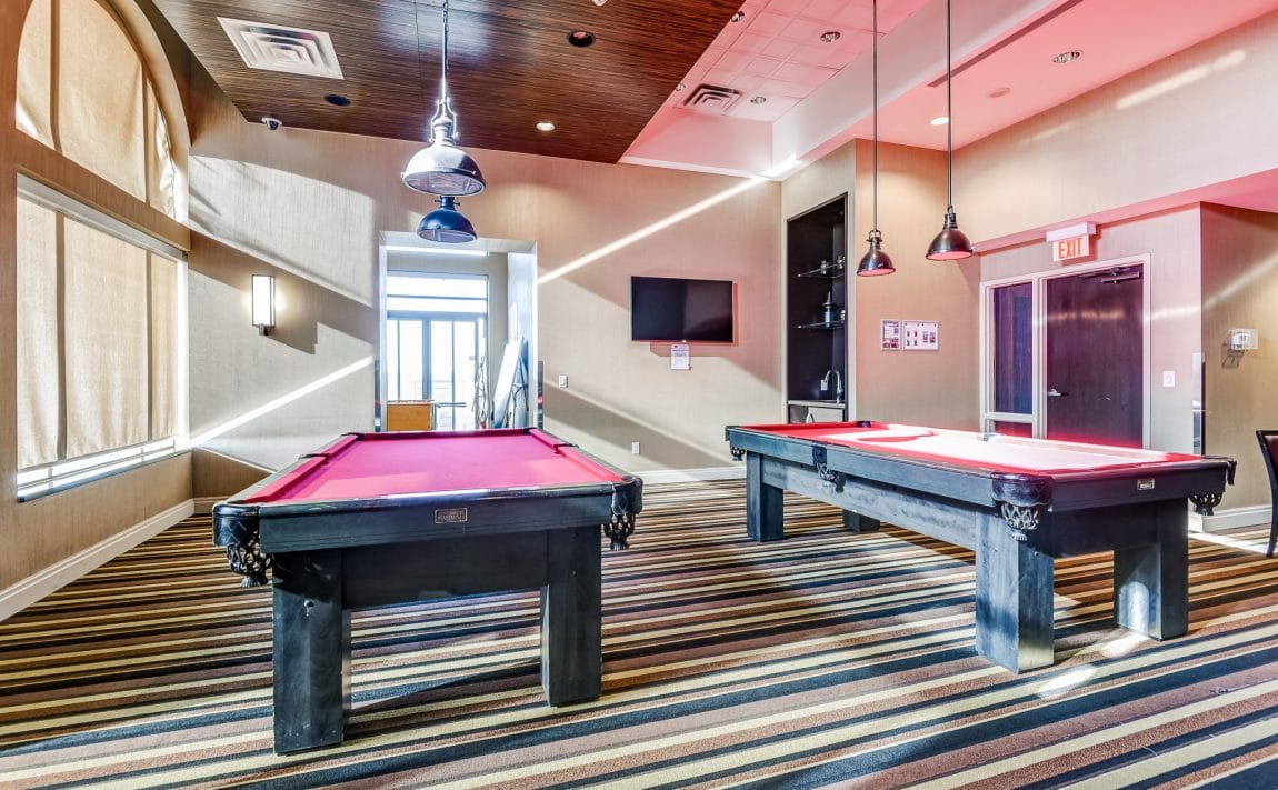 385-prince-of-wales-dr-chicago-condo-square-one-amenities-billiards