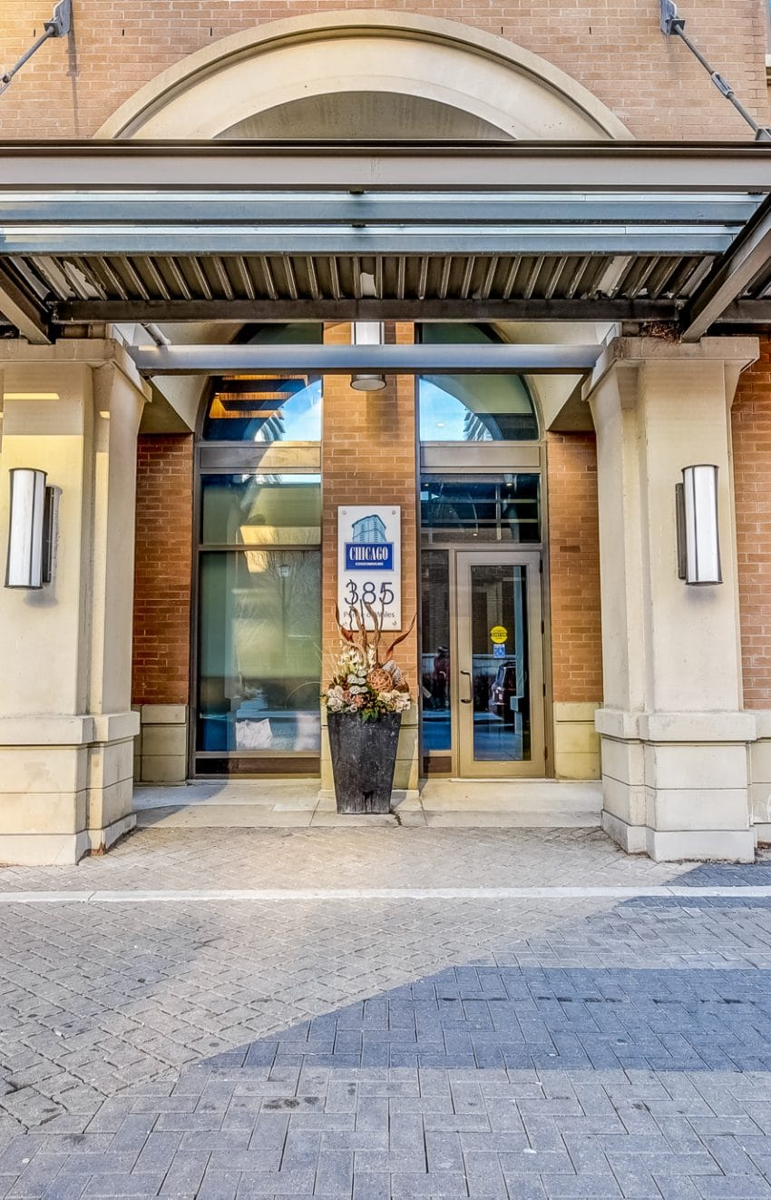 385-prince-of-wales-dr-chicago-condo-square-one-entrance-3