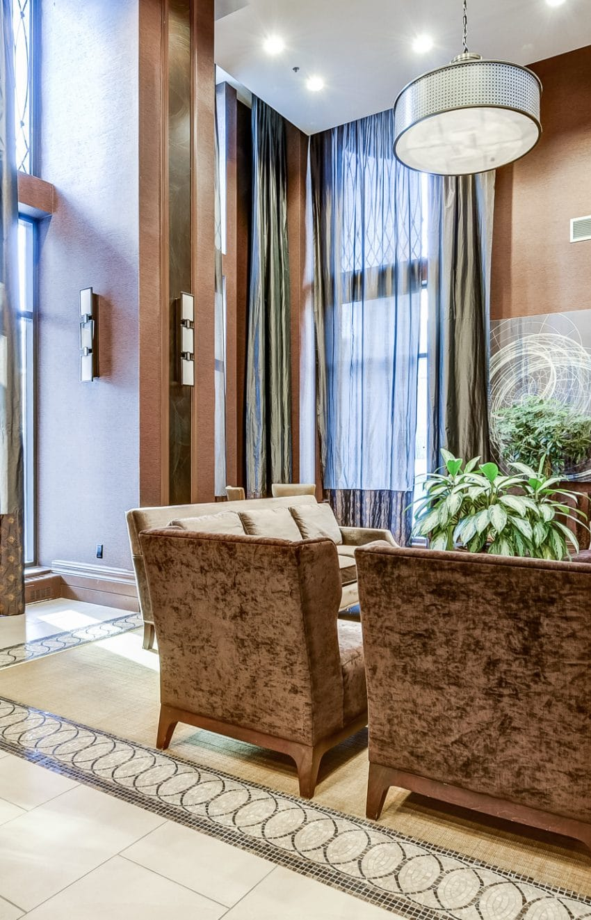 385-prince-of-wales-dr-chicago-condo-square-one-foyer-concierge-lobby