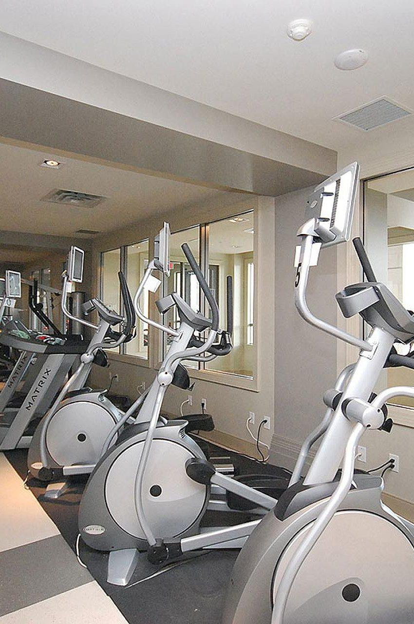 388-prince-of-wales-dr-one-park-tower-square-one-condos-gym-cardio