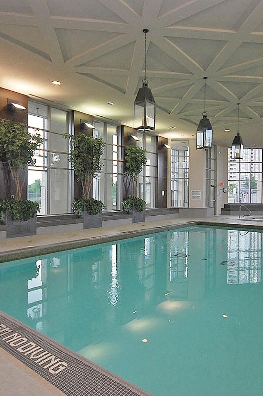 388-prince-of-wales-dr-one-park-tower-square-one-condos-indoor-pool
