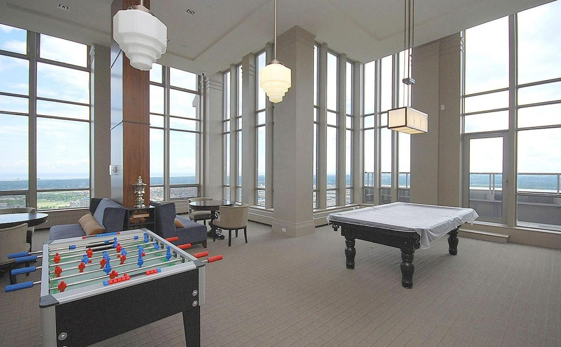 388-prince-of-wales-dr-one-park-tower-square-one-condos-party-room-games