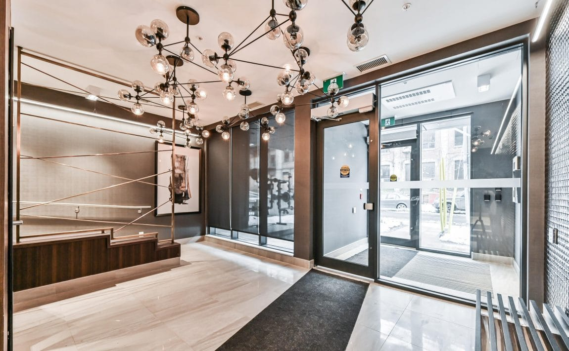 90-niagara-st-condos-for-sale-toronto-king-west-lobby
