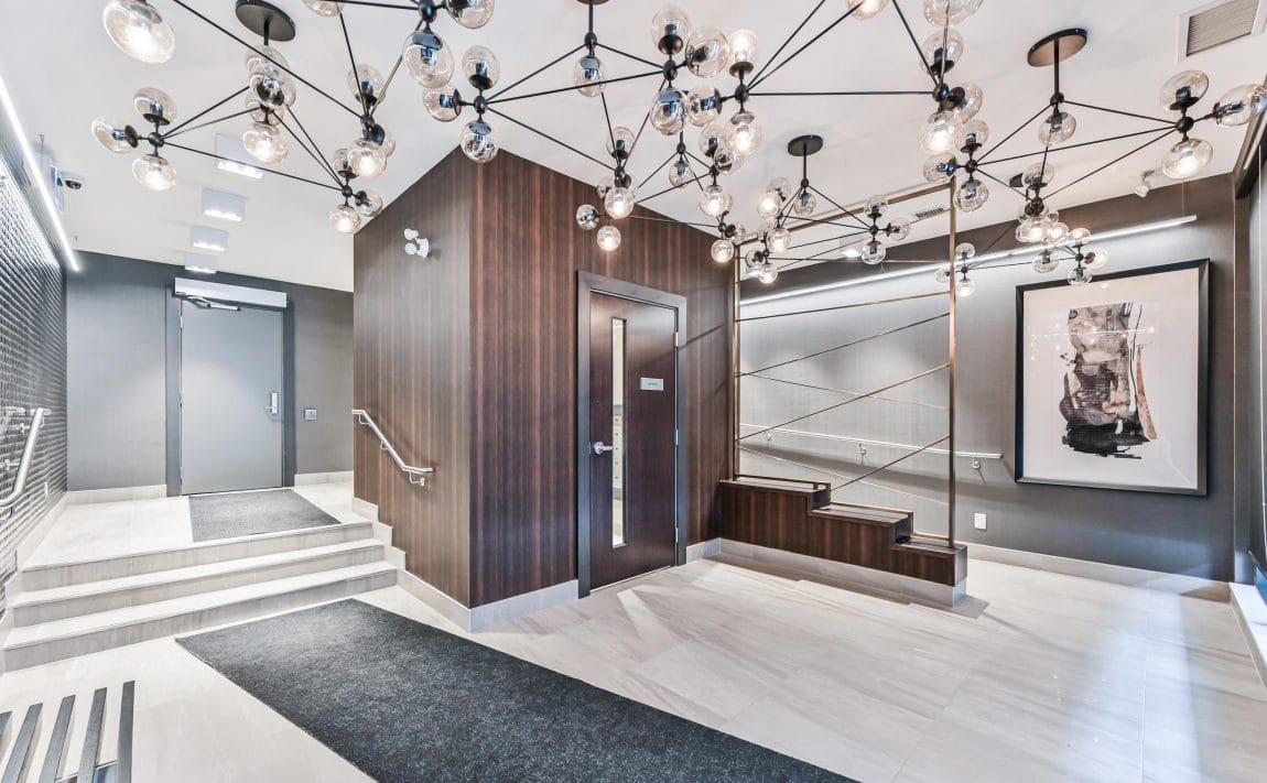 90-niagara-st-condos-for-sale-toronto-king-west-lobby-entrance