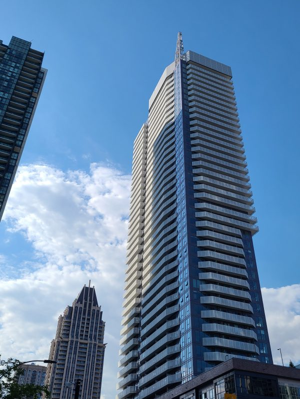 wesley-tower-4065-confederation-pkwy-mississauga-condos