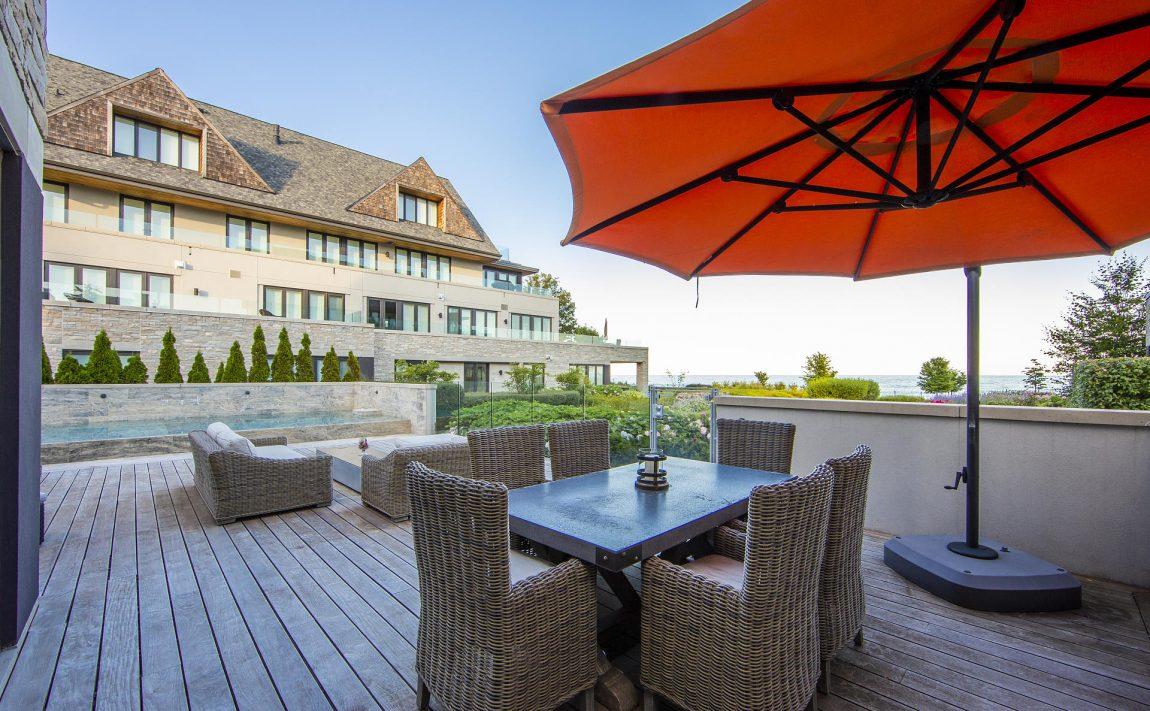 10-maple-grove-dr-oakville-edgemere-estates-luxury-outdoor-terrace-patio