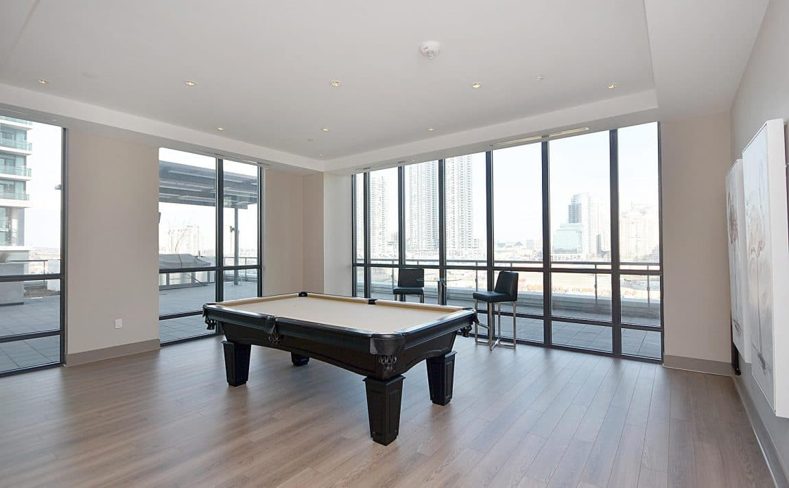 3975-grand-park-dr-mississauga-condos-for-sale-amenities-billiards