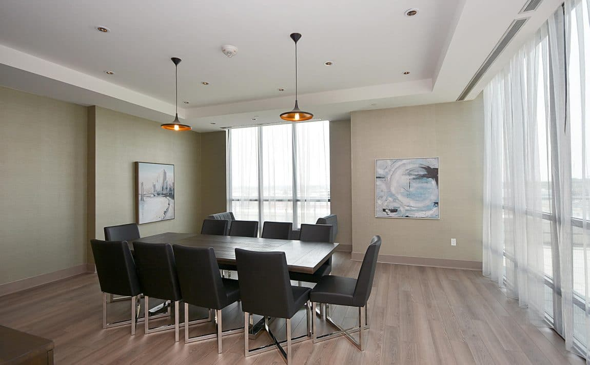 3975-grand-park-dr-mississauga-condos-for-sale-board-room