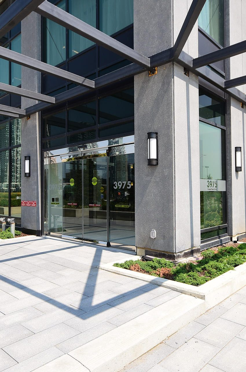 3975-grand-park-dr-mississauga-condos-for-sale-front-entrance