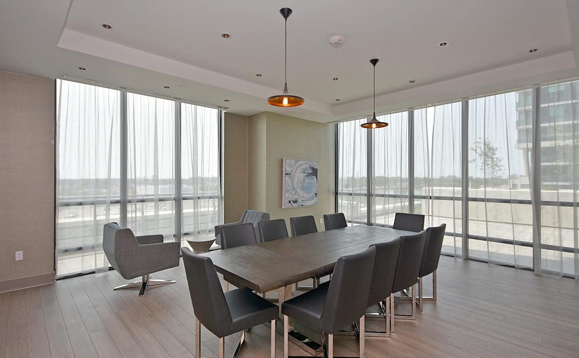 3975-grand-park-dr-mississauga-condos-for-sale-meeting-room