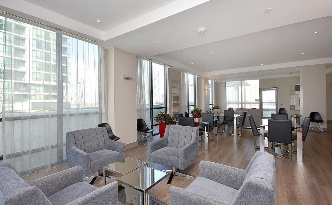 3975-grand-park-dr-mississauga-condos-for-sale-party-room