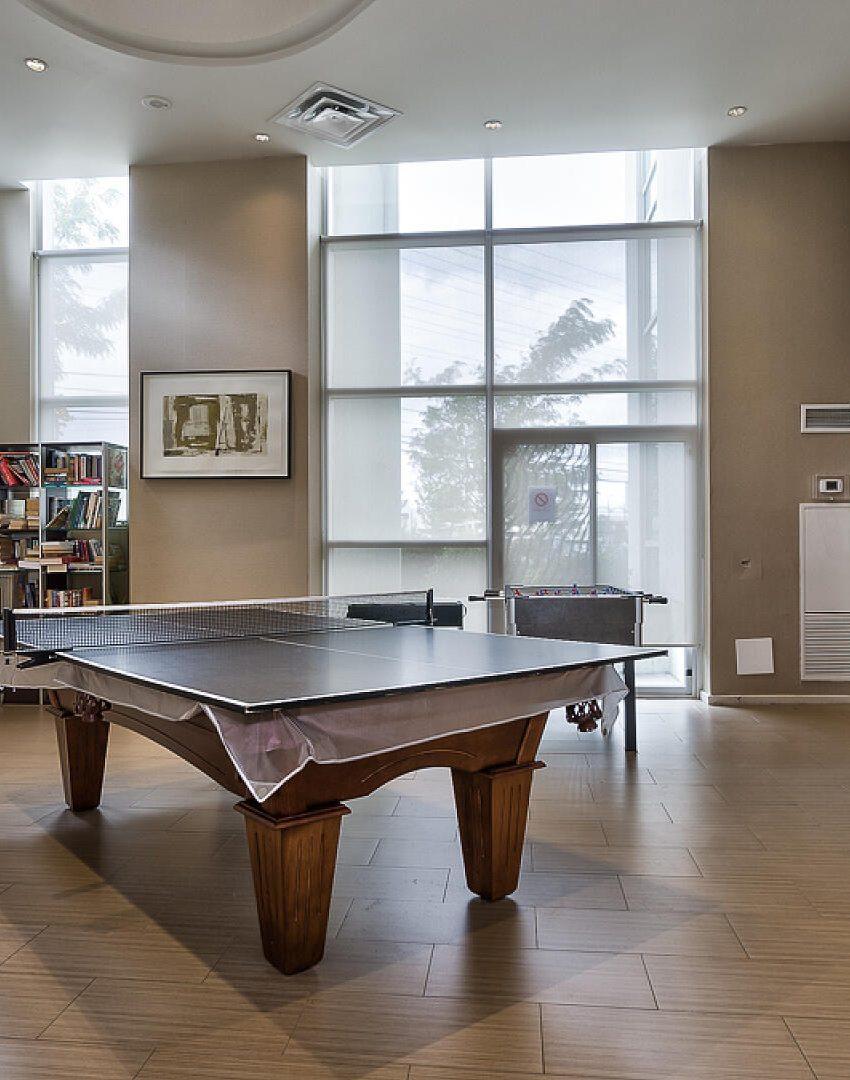 220-burnhamthorpe-rd-w-mississauga-citygate-condos-billiards-party-room