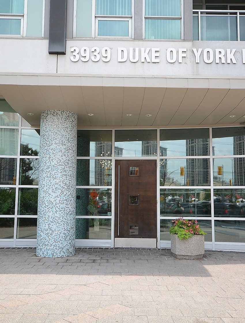3939-duke-of-york-blvd-city-gate-condos-lofts-front-entrance