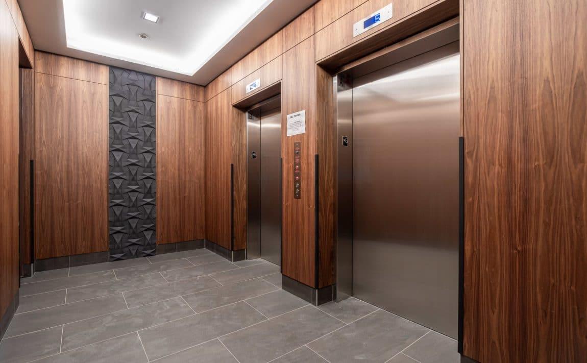 8-ann-st-nola-condos-port-credit-mississauga-elevator-lobby