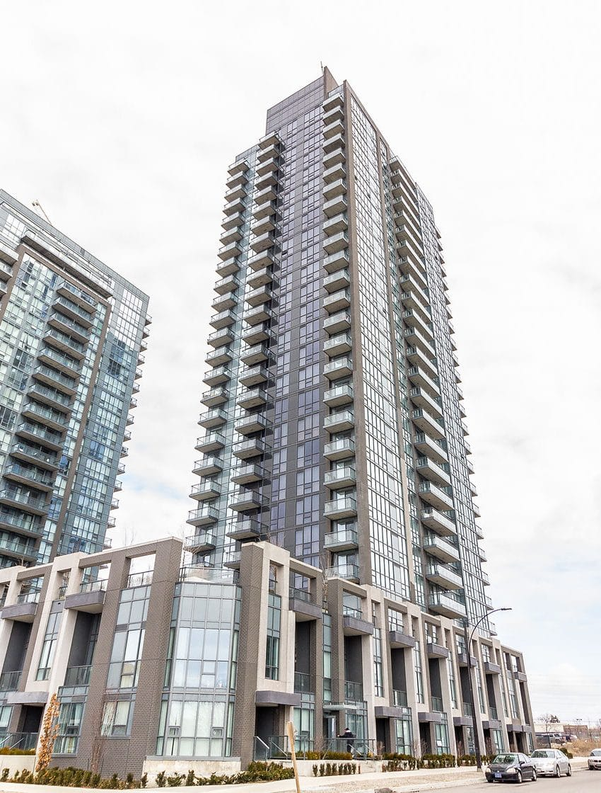 amber-condos-5025-four-springs-ave-5033-four-springs-ave-square-one