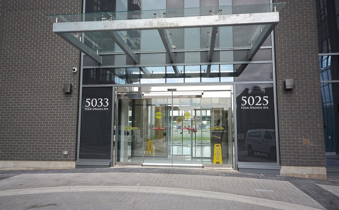 amber-condos-5025-four-springs-ave-5033-four-springs-ave-square-one-entrance