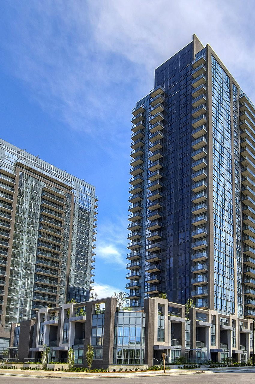 amber-condos-5025-four-springs-ave-5033-four-springs-ave-square-one-for-sale