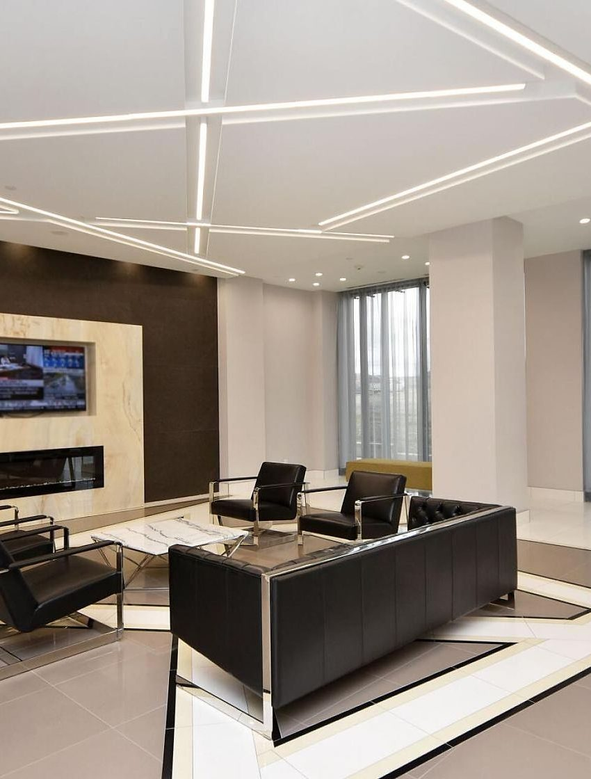 amber-condos-5025-four-springs-ave-5033-four-springs-ave-square-one-lobby