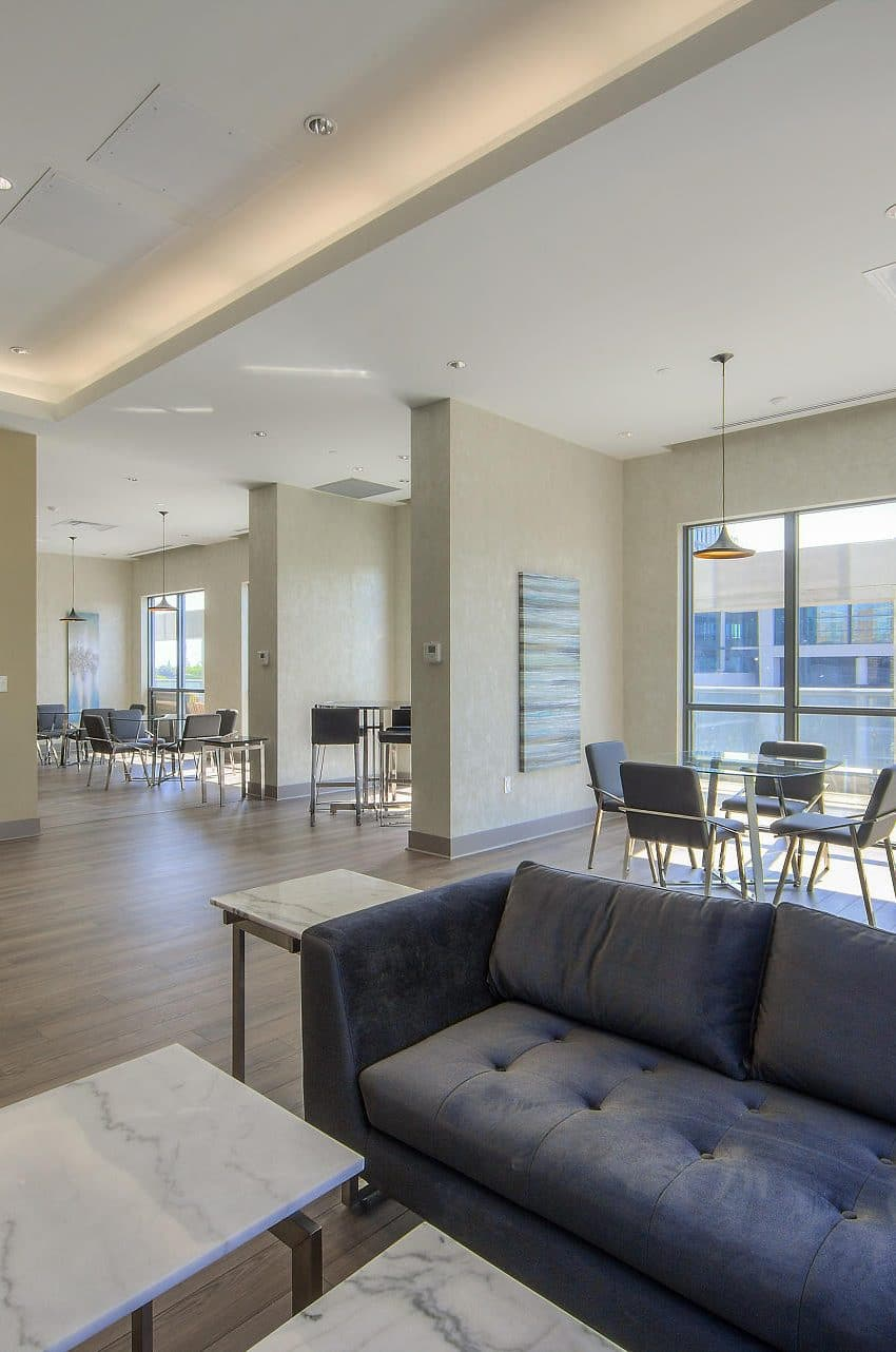 amber-condos-5025-four-springs-ave-5033-four-springs-ave-square-one-lounge