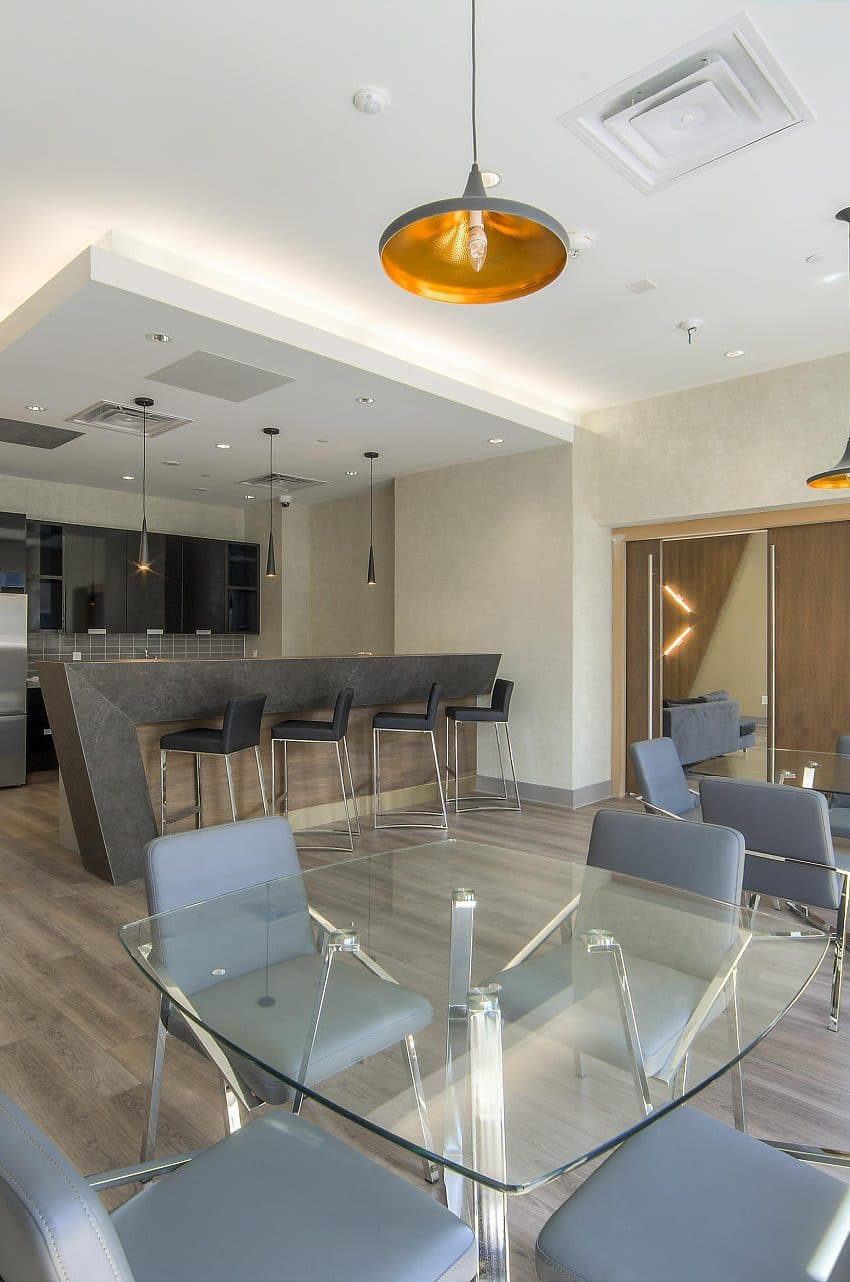 amber-condos-5025-four-springs-ave-5033-four-springs-ave-square-one-party-room-bar